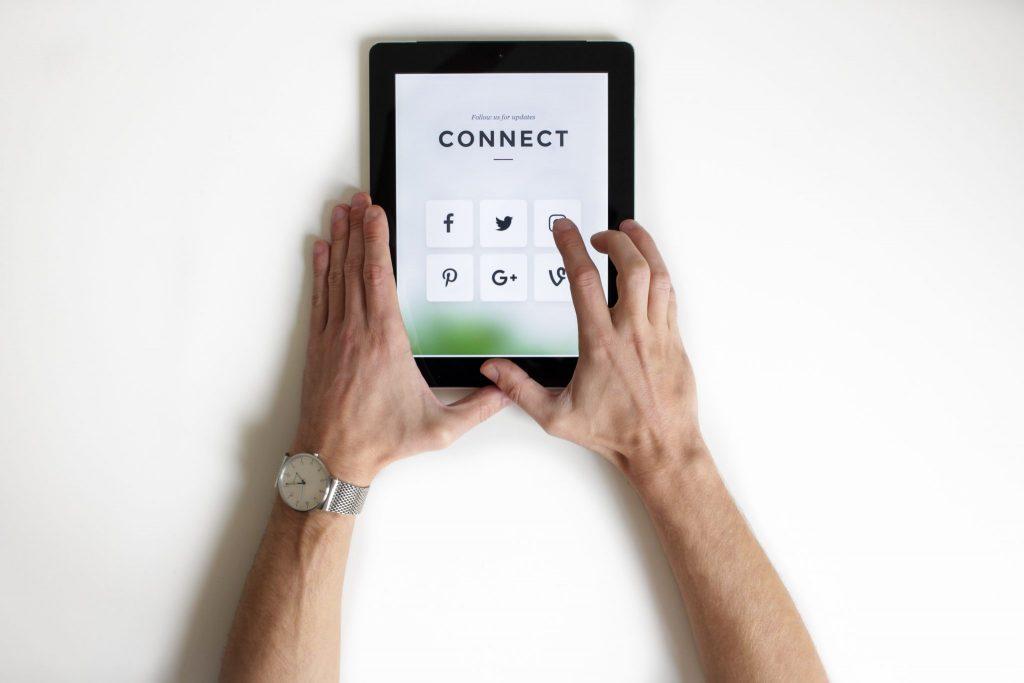 Sedem smrteľných hriechov sociálnych sietí
